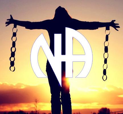 NA--women-breaking-chains-o